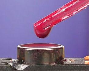 Tinte auf Tintenauslass der HP 935 auftropfen