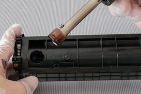 Position für das Nachfüllloch HP Pro 102, HP Pro 130