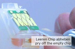 Leeren Tintenchip von der Epson 33 Patrone entfernen