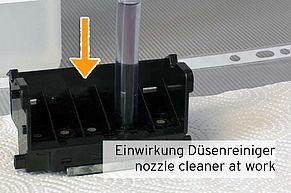 [Translate to Englisch:] Zeit zum einwirken des Düsenreinigers auf den Tinteneinlass